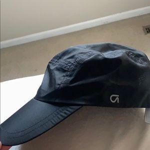 Lightweight gap fit hat